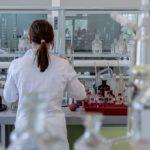 エボラ薬やリウマチ薬が新型コロナに効く?研究中の薬や世間からの反応は?