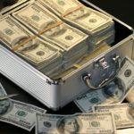 ヒカルの月収は2億円?2020年の年収はどれくらい行くのか?【収入】